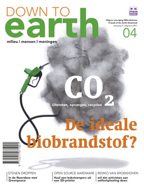 Cover van Down to Earth 06 (aug 2011)