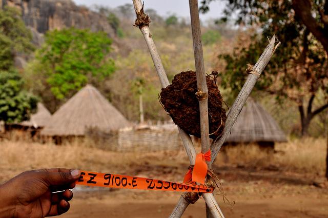 Markering voor uranium proefboring, Falea, Mali. © Andreas Nidecker / IPPNW