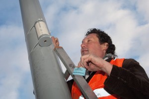 201210_installatie_meetpunt_Wibautstraat_Amsterdam_credits_Milieudefensie_LiesbethSluiter