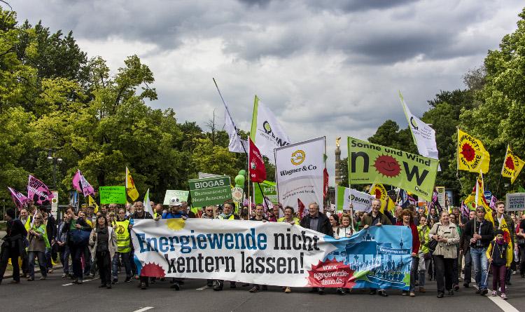 Demonstratie voor Energiewende in Berlijn op 10 mei 2014 - Foto: Jörg Farys/Bund