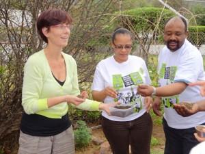 Mirjam Bemelmans met Zuid-Afrikaanse activisten