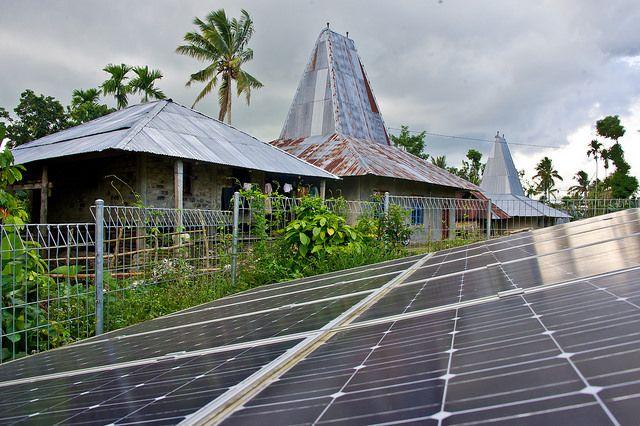 Zonnepanelen op het eiland Sumba Copyright: Asia Development Bank.