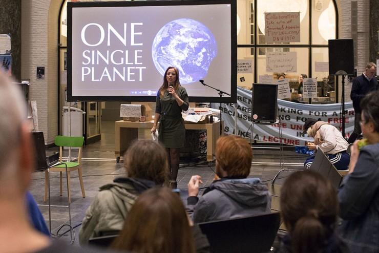 Marianne Thieme bij de première van One Single Planet in het bezette Maagdenhuis op 11 maart, foto Thomas Schlijper