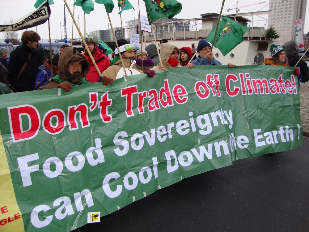 Protestactie van de boerenorganisatie Via Campesina tijdens de klimaattop in Kopenhagen. Foto; Guus Geurts