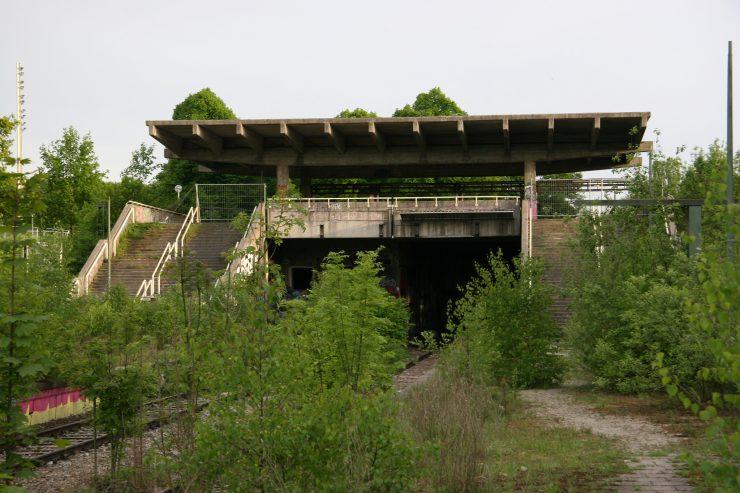 Munchen olympisch stadion treinstation, sinds 1988 buiten gebruik. Flickr CC SA BY Pirat_Michi