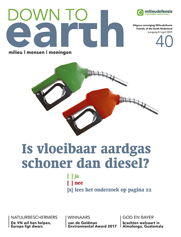 Cover van — Down to Earth 40 (april 2017)