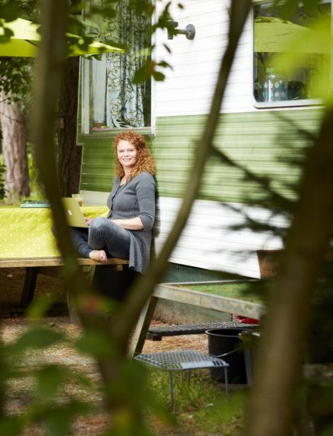 Kappen met kappen: Janneke Bazelmans schreef Verkapt, een thriller over palmolie