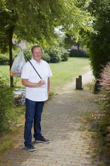 Plastic tegenhouden bij de bron: Zwerfinator Dirk Groot begon de petitie #tientjevanstientje