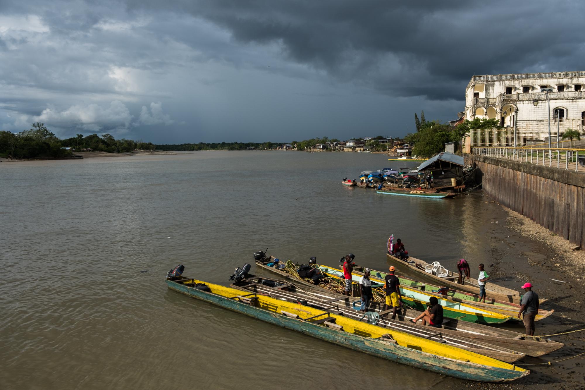 Rivier rechtspersoon Atrato Colombia Cocomacia voogden dorpen haven Quibdo Choco
