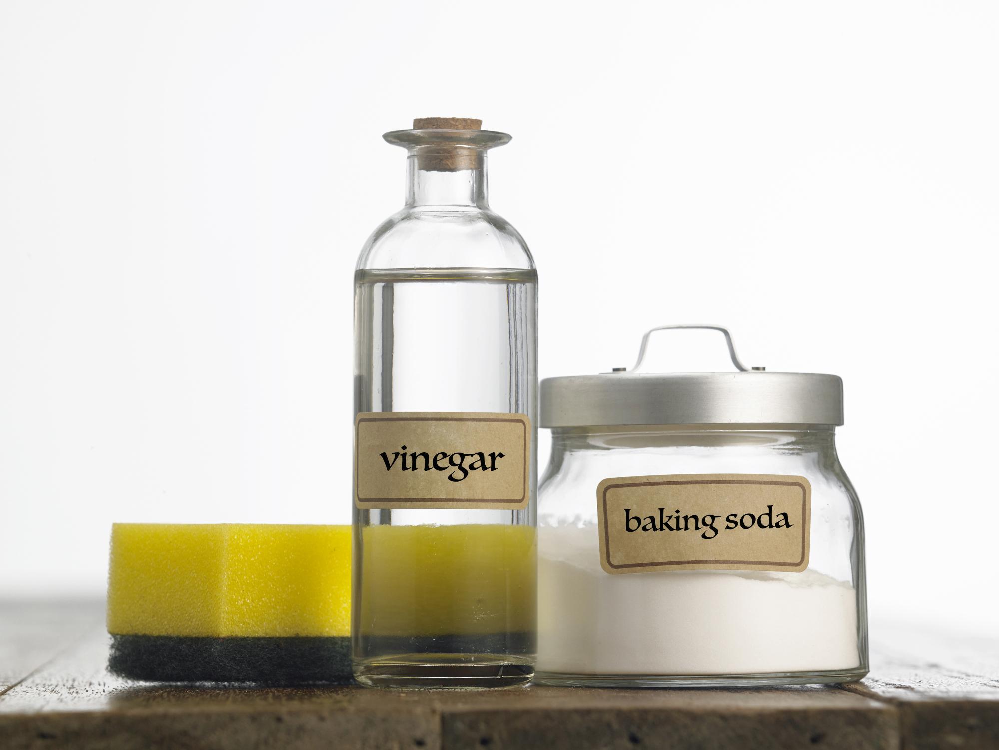 Schoonmaken natuurlijke schoonmaakmiddelen schoonmaakazijn groene zeep soda bicarbonaat koffiedik citroen